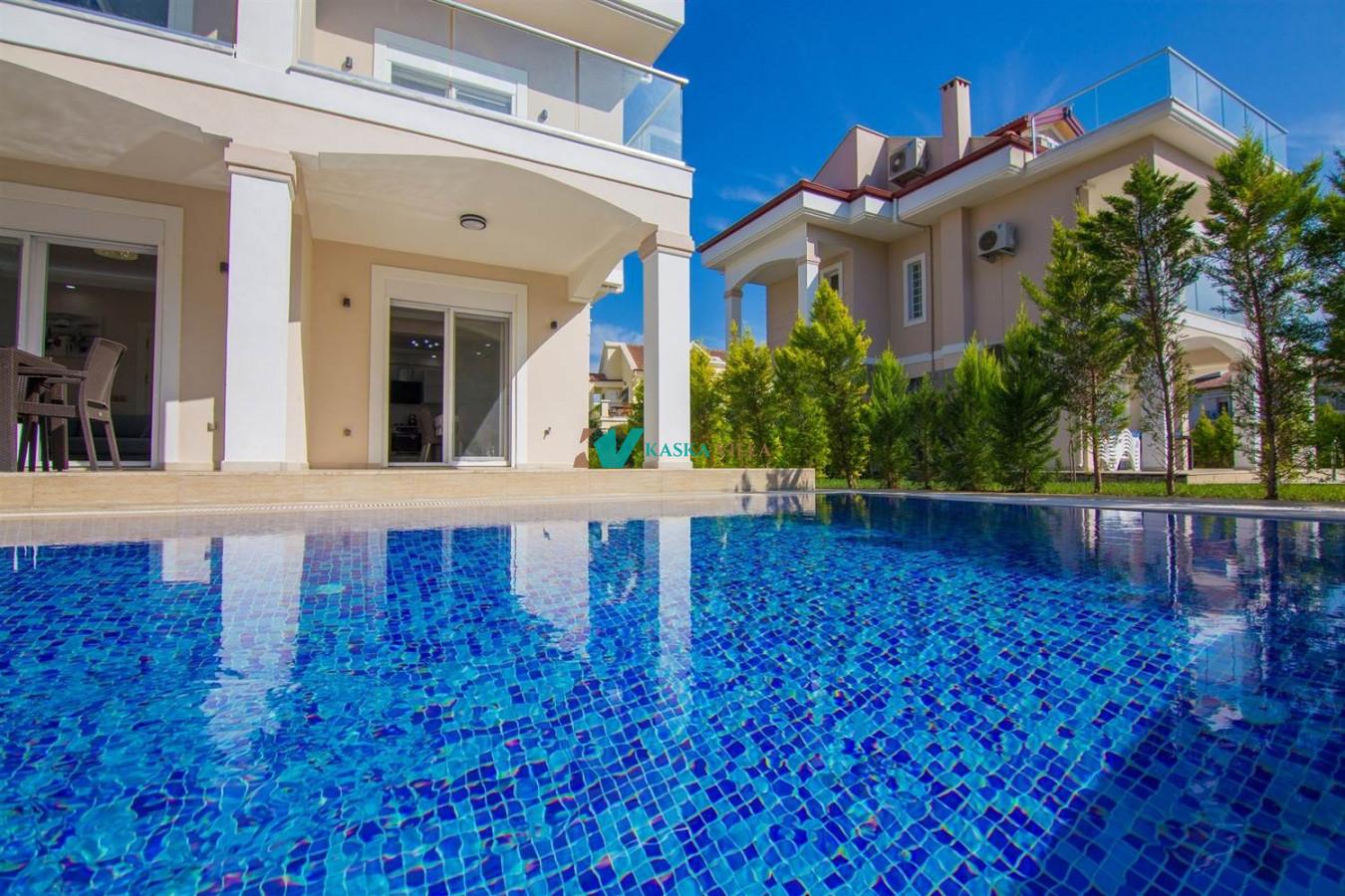 Villa Almira 1