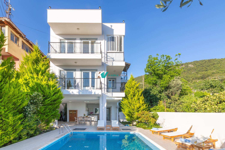 Villa Lal