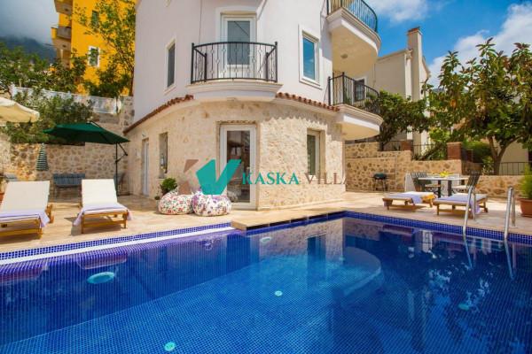 Villa Honeysuckle