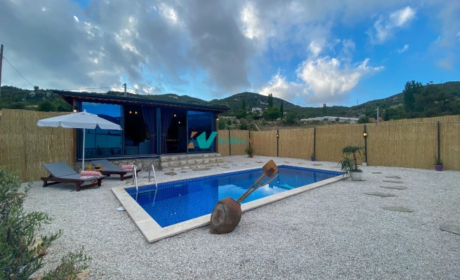 Villa Bird House