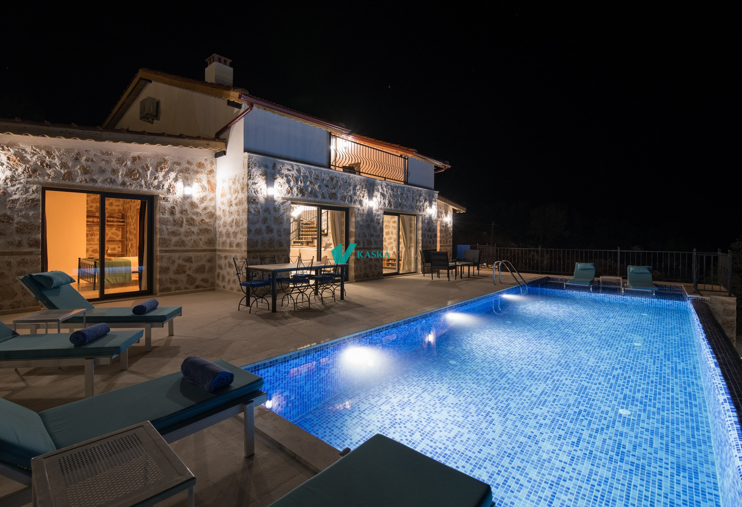 Villa Ev May