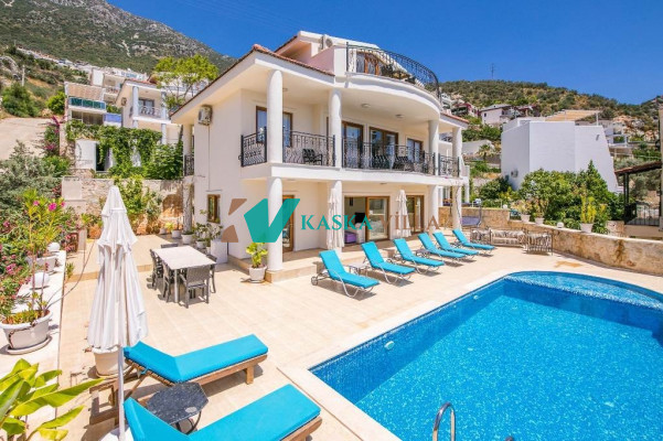 Villa Alternatif
