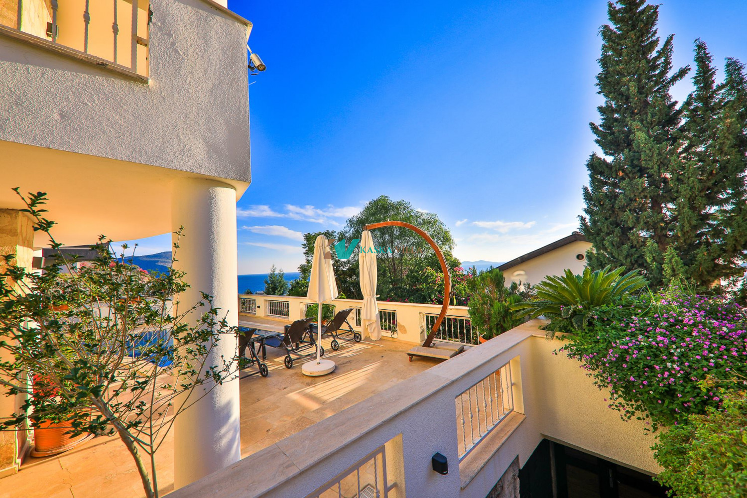 Villa Holiday from a Woman's Eye