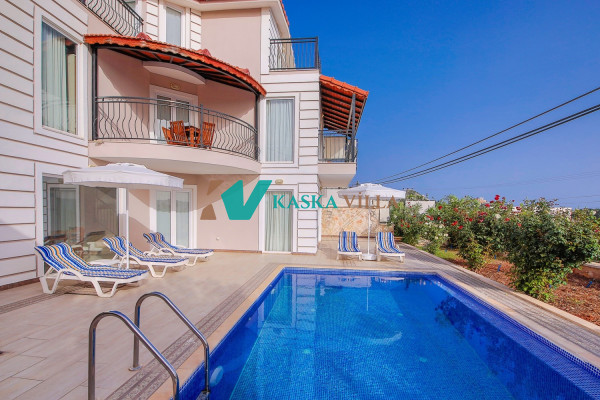 Villa Akay 1